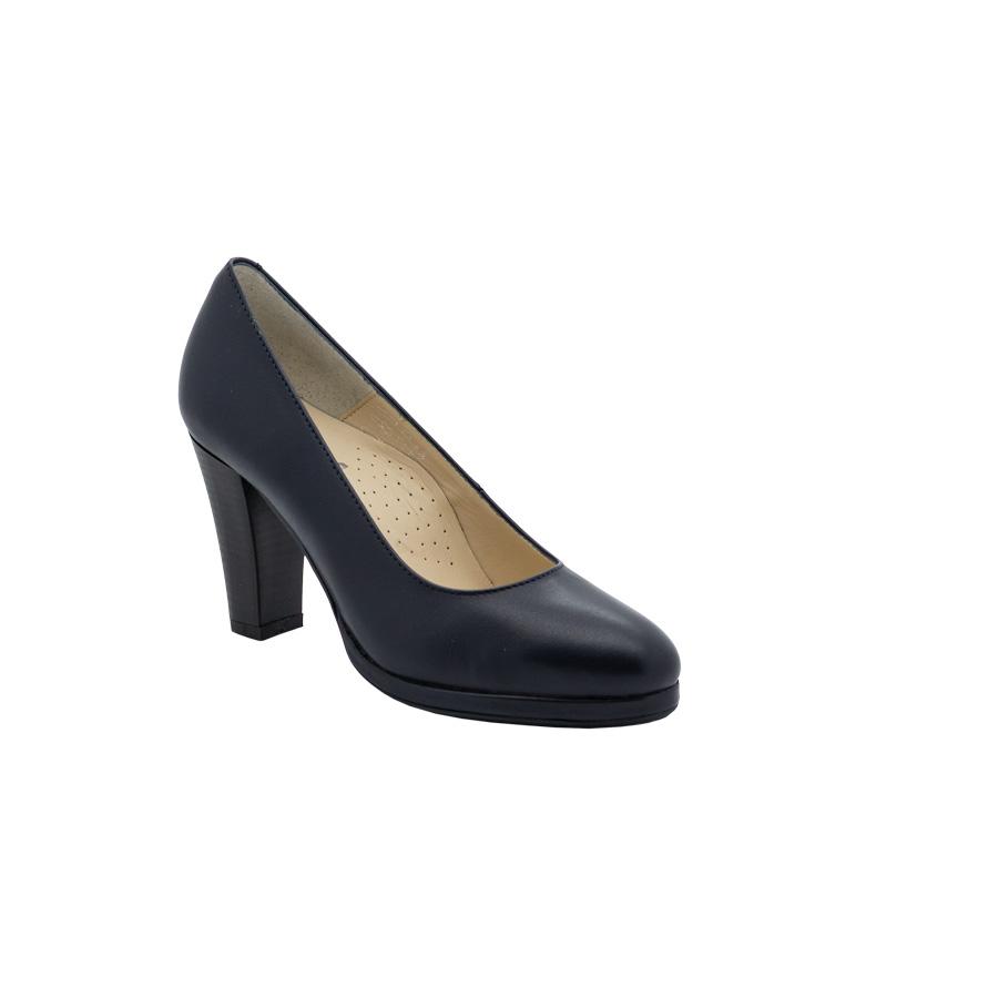 Genesis - The Little Shoe Shop